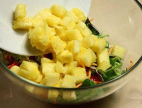 Salad tôm dứa đẹp mắt ngon miệng