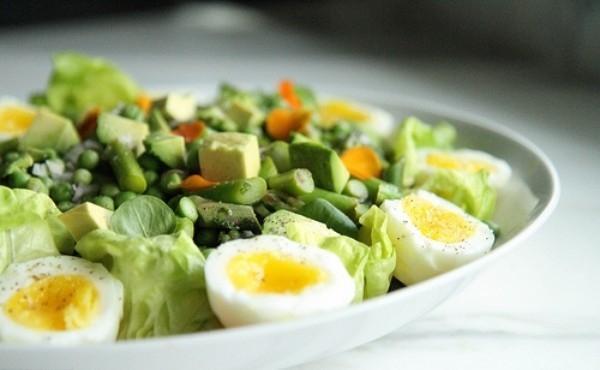 Thải độc cơ thể với món salad