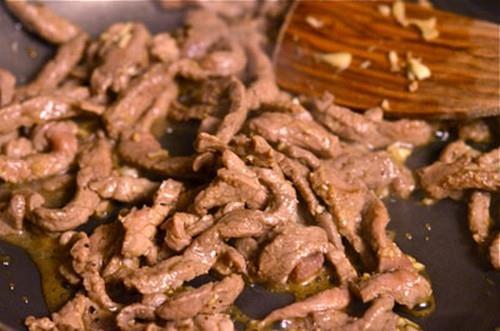 Thịt bò xào cà tím