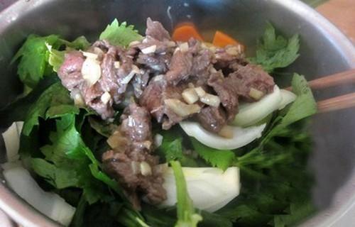Thịt bò xào cần làm nhanh ăn ngon