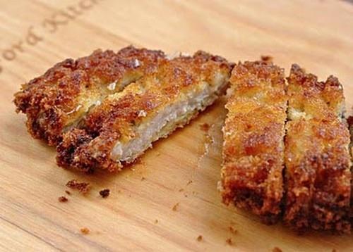 Thịt chiên giòn chấm sốt Tonkatsu kiểu Nhật