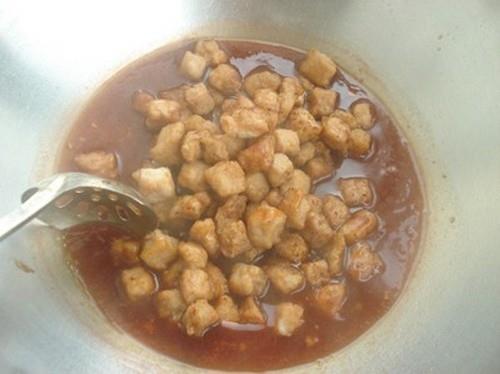 Thịt chiên xốt chua ngọt làm nhanh ăn ngon