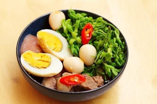 Thịt kho trứng đậm đà ngon cơm
