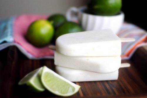Thử tài làm kem sữa chua chanh dừa mát lịm