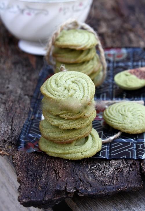 Tự làm bánh quy trà xanh đãi cả nhà