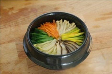 Tự làm cơm trộn Hàn Quốc