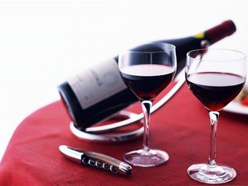 Uống nhiều rượu làm tăng nguy cơ ung thư phổi?