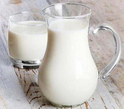 Uống sữa - lợi ích sức khỏe và một số phản ứng của cơ thể