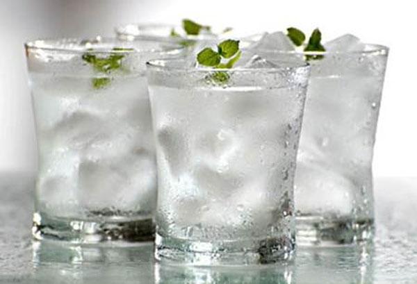 Viêm gan B không được uống nước đá