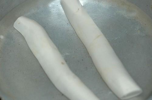 Xuýt xoa với món bánh cay giòn thơm dân dã